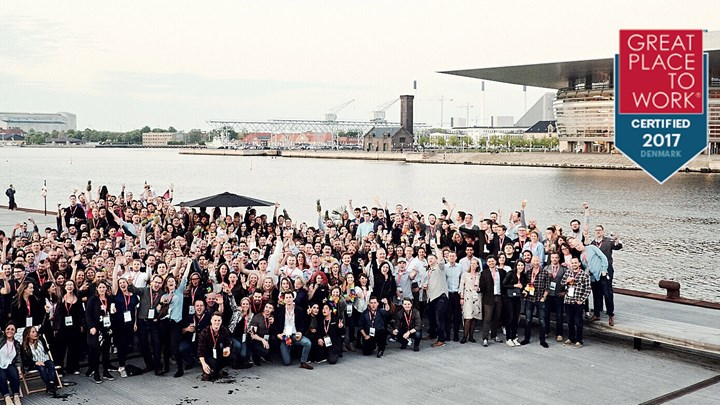 Picture of all Siteimprovers in front of the opera house in Copenhagen.